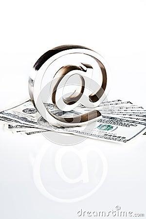 På symbolet på pengar
