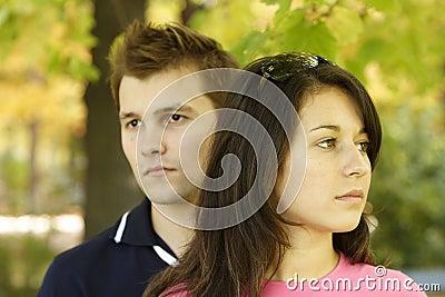 Paar in gedachten