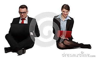 Paar op Laptops