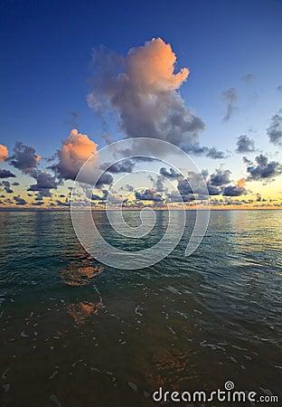 Free Pacific Sunrise At Lanikai Beach, Hawaii Royalty Free Stock Image - 11406026