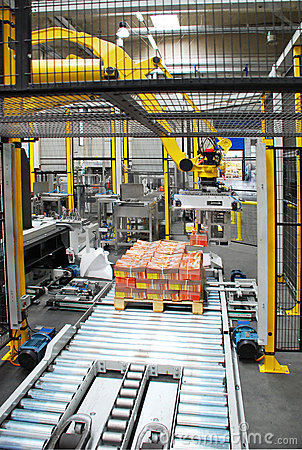Packing line with robot
