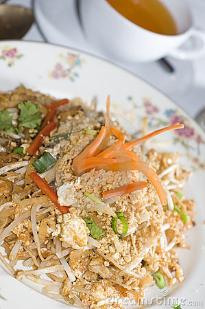 Pad thai chicken thailand food