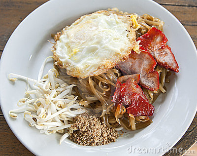 Pad Thai Noodles with Eggs and Pork