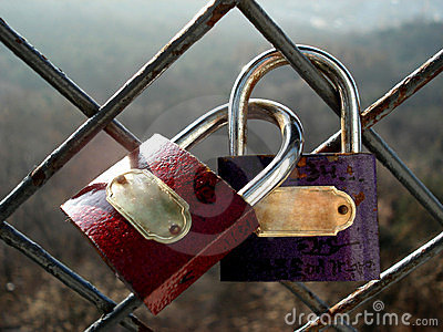 The Padlocks of Promise Lover