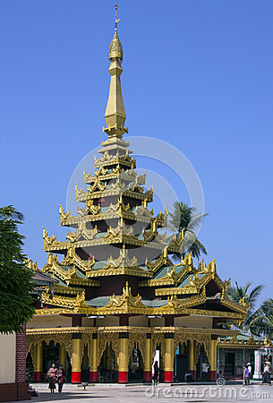 Shwemawdaw Paya - Bago - Myanmar (Burma) Editorial Photo