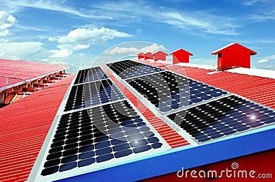 Painéis solares no telhado