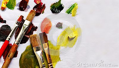 Paint brushes and different paint pigments