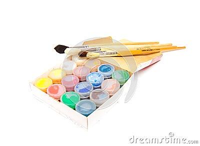 Paintbrushes and dye