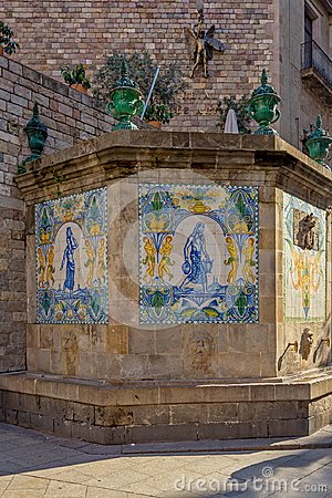 Free Painted, Old Ceramic Tiles At Santa Ana Fountain In The Gothic Quarter Of Barcelona. Royalty Free Stock Photo - 123079935