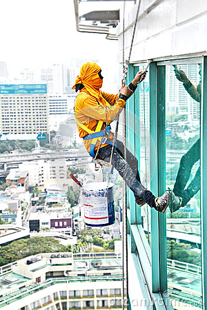 Free Painters High Building Condo Outdoors Sprinkle Stock Photo - 50364980