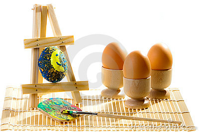 Painting easter eggs in workshop
