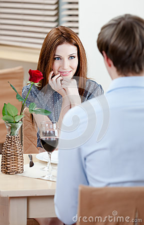 Pair is at the cafe