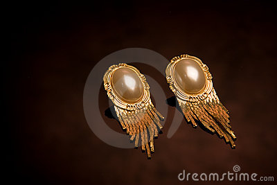 Pair of old-fashioned earrings
