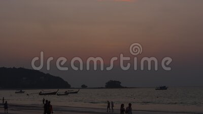 Paisaje al atardecer en Phuket almacen de metraje de vídeo