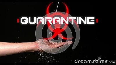 Palabra Cuarentena escrita sobre signo de peligro para la salud y agua fluyendo sobre fondo negro almacen de video