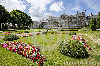 Palace and garden in Soissons