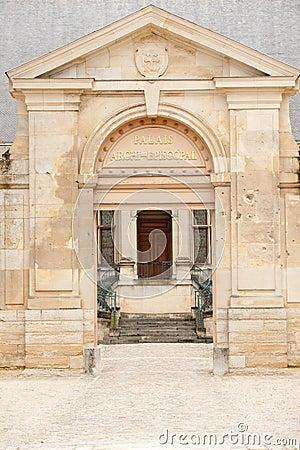 Palace of Tau entrance