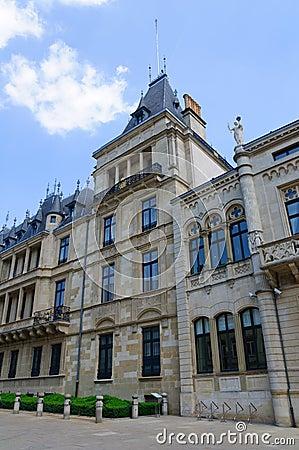 Palais som Tusen dollar-är hertiglig i staden av Luxembourg