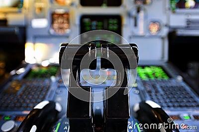 Palancas del empuje de los aviones