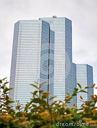 Palazzine di appartamenti di vetro moderne immagini stock for Palazzine moderne