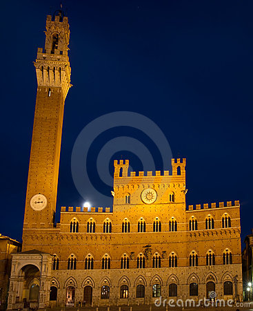 Palazzo Pubblico at the blue hour