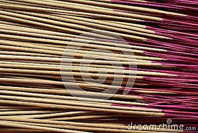 Palillos de ídolo chino asiáticos del rezo