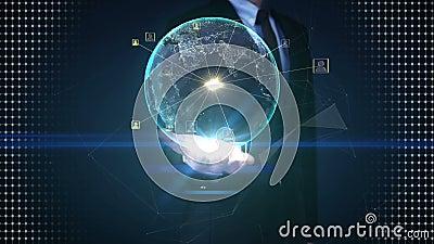 Palmas abiertas del hombre de negocios, tierra giratoria, servicio en red social de extensión, medio en las palmas almacen de video