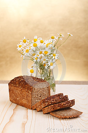 Pan con las flores salvajes