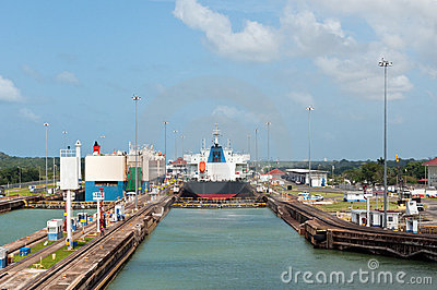 Panama Canal - Gatun Locks