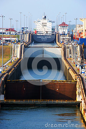 Free Panama Canal Locks Stock Images - 48919444