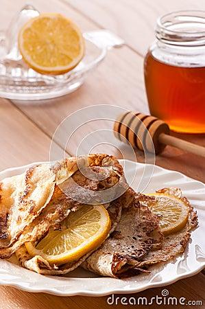 Pancakes With Honey & Lemon