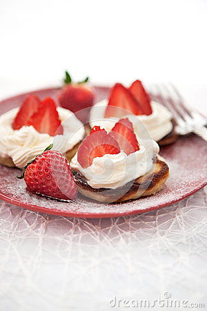 Free Pancakes With Whipped Cream And Strawberry Stock Photo - 34851610