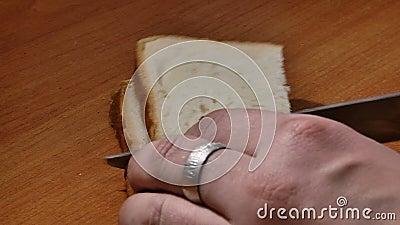 Pane tagliato per pane tostato stock footage