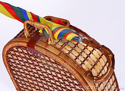panier de pique nique avec un parapluie color photos stock image 13211533 - Parapluie Color