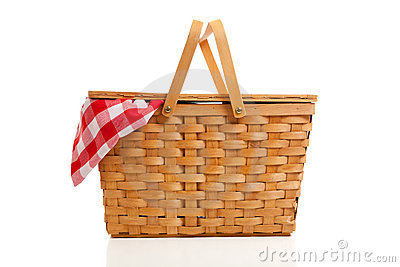 Panier en osier de pique-nique avec le tissu de guingan