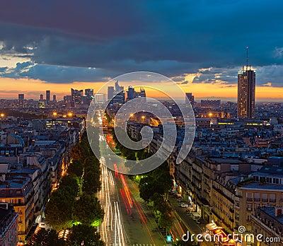 Panorama av Paris på solnedgången