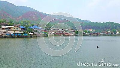 Panorama de lac mae Sa-Nga, le thailandais de Rak d'interdiction, Thaïlande clips vidéos
