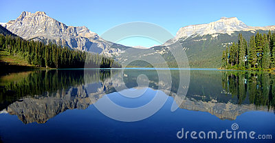 Panorama of Emerald Lake, Yoho National Park, British Columbia,