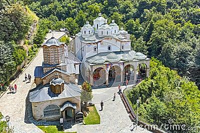 Où suis -je -ajonc - 10 septembre 2016 trouvé par Jovany Panorama-to-church-monastery-st-joachim-osogovo-republic-macedonia-kriva-palanka-region-76556189