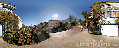 Panoramic view of Lombard Street