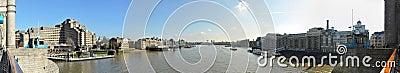 Panoramische Ansicht von der Kontrollturm-Brücke, London Redaktionelles Stockfotografie