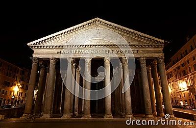 Panteón - uno del edificio más famoso de Roma
