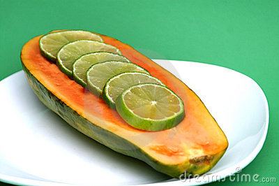 Papaya With Lime Slices