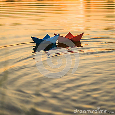 Free Paper Boats Royalty Free Stock Photography - 61273207