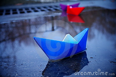 Paper ships