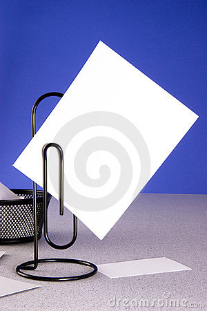 Free Paperclip Message Holder And Large Card Royalty Free Stock Images - 3866819