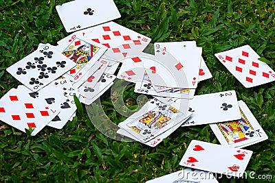Paquet des cartes dispersé