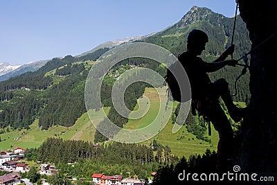 Par l intermédiaire de s élever de ferrata/Klettersteig