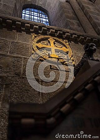 Par l intermédiaire du signal de Crucis