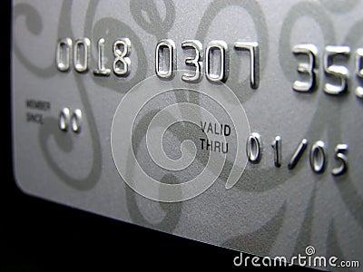 Par la carte de crédit (plan rapproché) Image stock éditorial